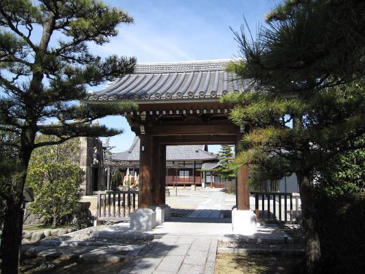 永正寺の山門